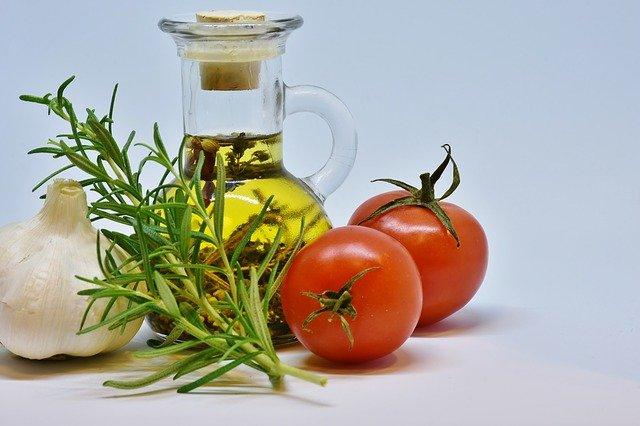 Co jest źródłem korzystnych dla organizmu tłuszczów roślinnych?